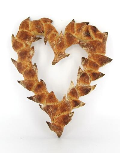 LA_GRANDE_EPICERIE_DE_PARIS_Baguette-epi-St-Valentin-14e-a-La-Boulangerie-de-La-Grande-Epicerie-de-Paris