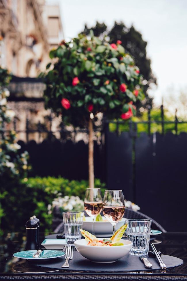 SHANGRI-LA_HOTEL_Terrasse_La_8_Iena_vertical