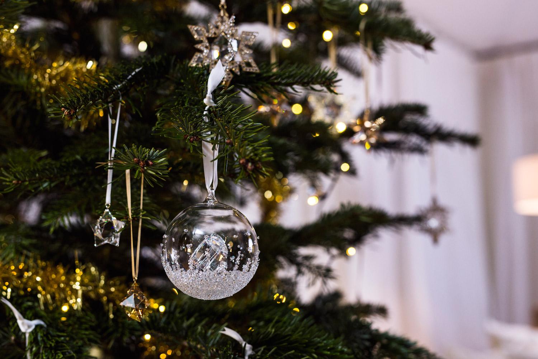 Zanita-swarovski-christmas-modern-elegance-tree-crystals-festive_BD