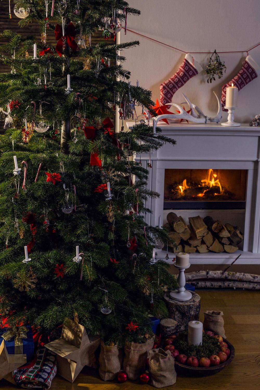 Zanita-swarovski-christmas-traditional-crystals-festive_BD